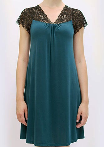 Gown-4904-Front